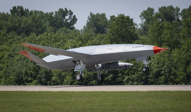 https://www.scramble.nl/images/news/2021/august/USA_USN_Boeing_MQ-25A_Stingray_640.jpg