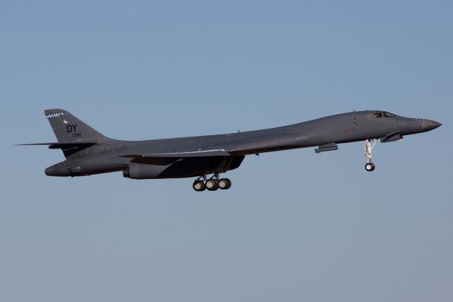 https://www.scramble.nl/images/news/2021/january/USA_USAF_B-1_85-0061_KDYS_10Nov14_Joris_Termorshuizen_640.jpg